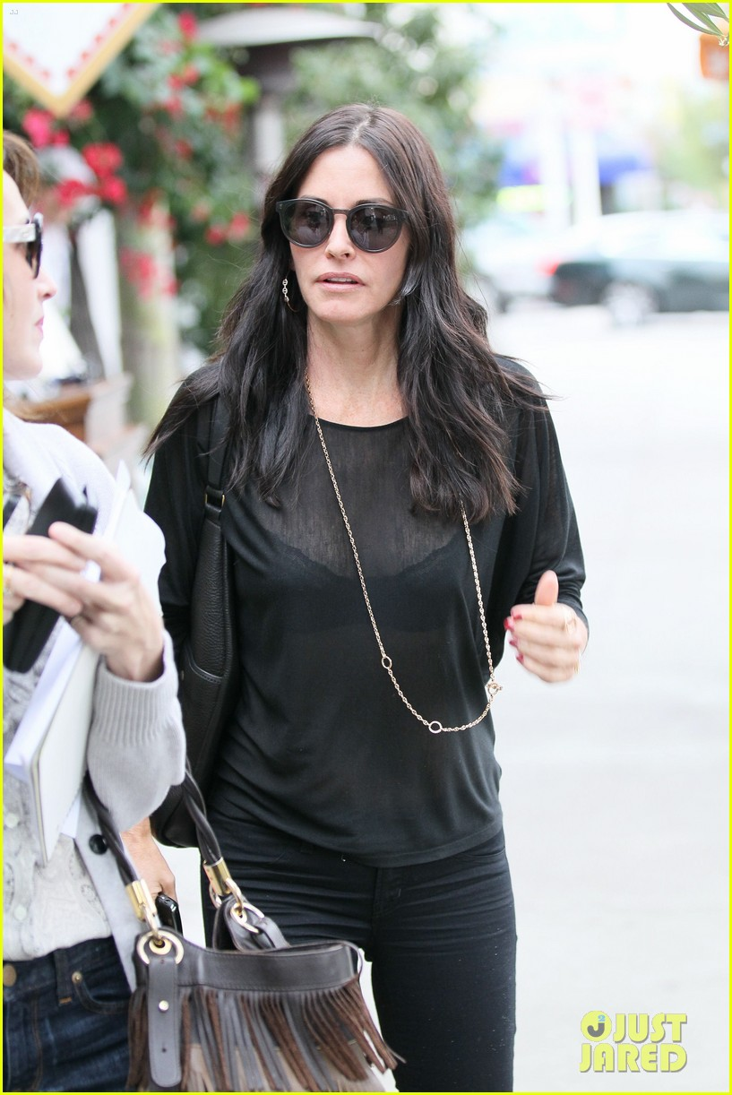 courteney cox lunch shopping friend 022599422