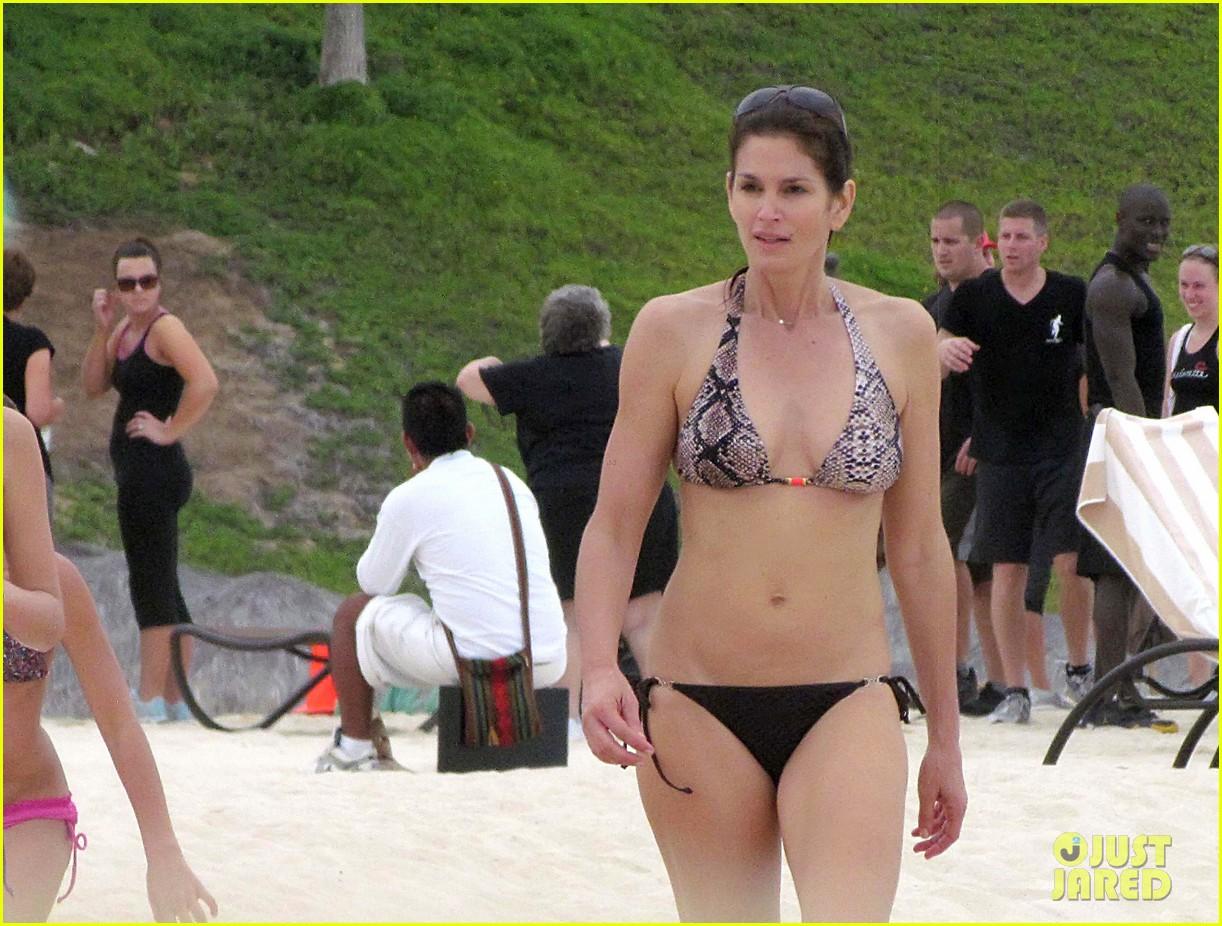 cindy crawford bikini cabo 022604082