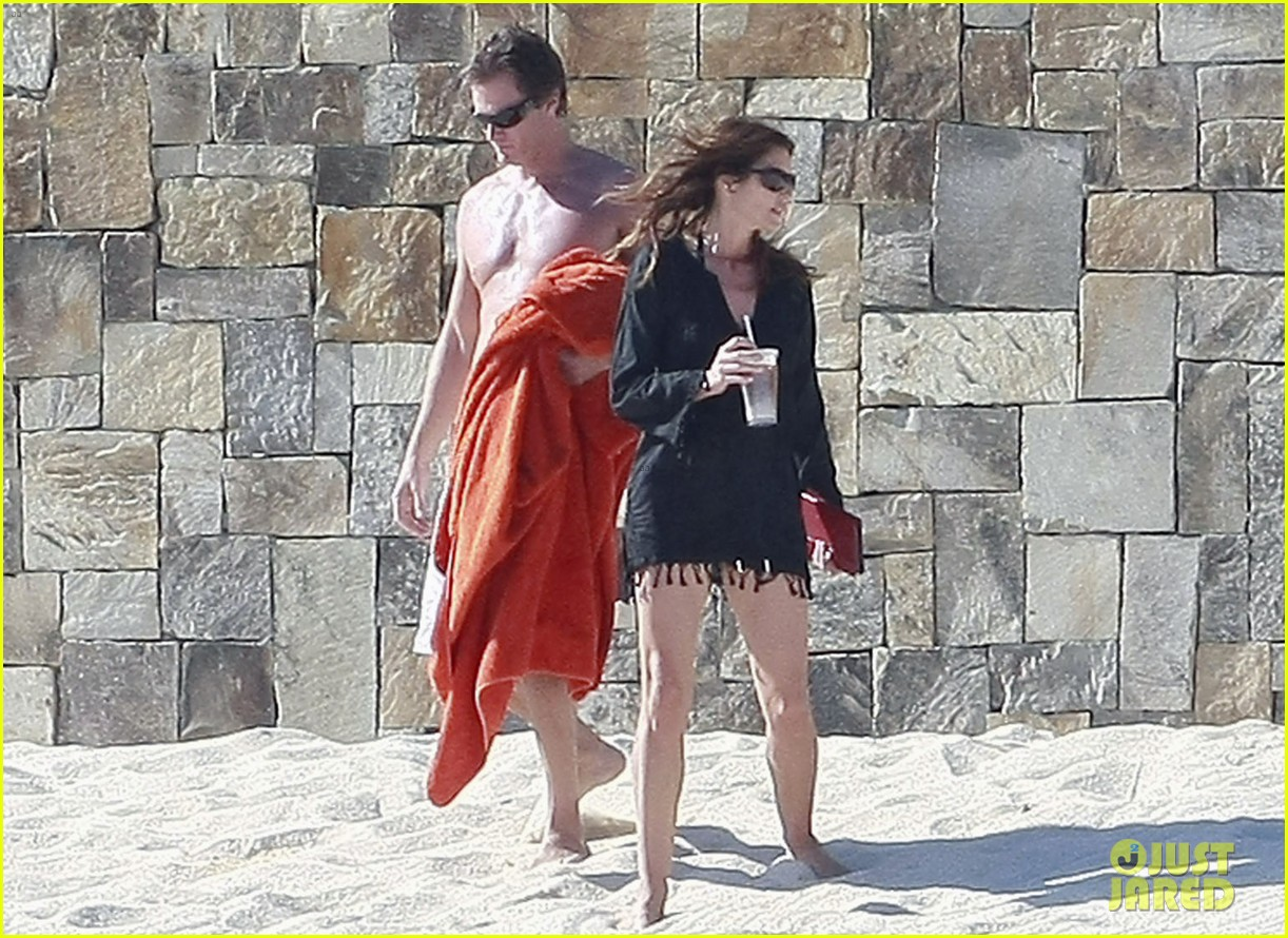 cindy crawford family time in mexico beach 01