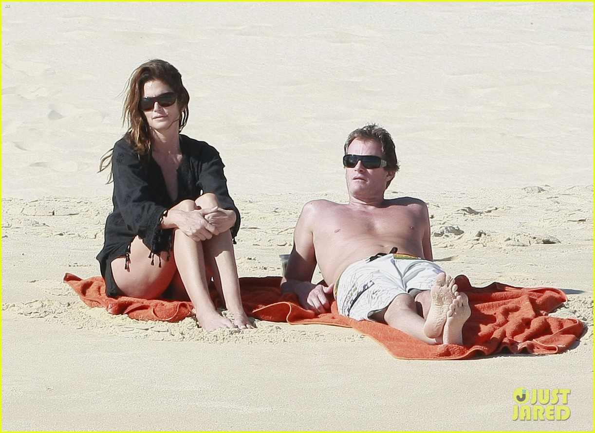 cindy crawford family time in mexico beach 042604519