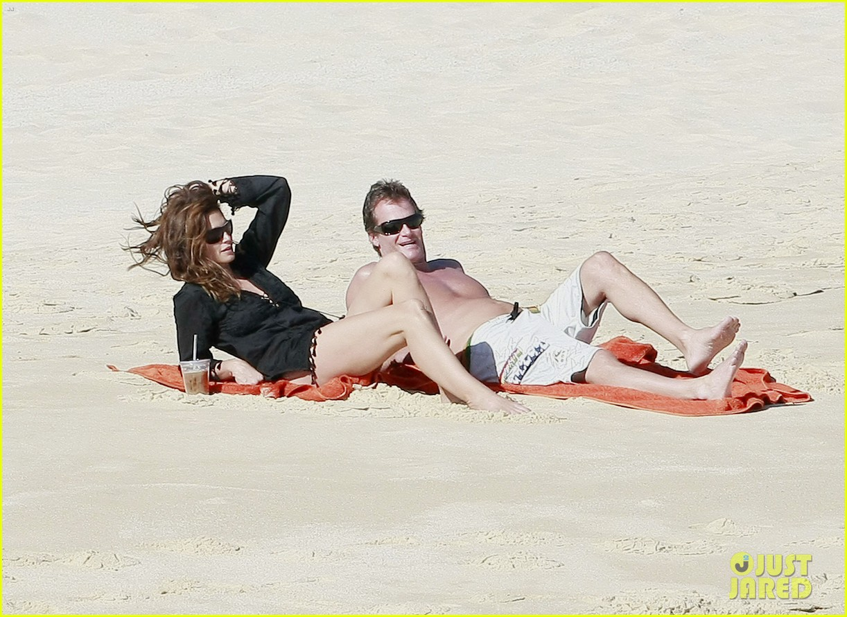 cindy crawford family time in mexico beach 092604524