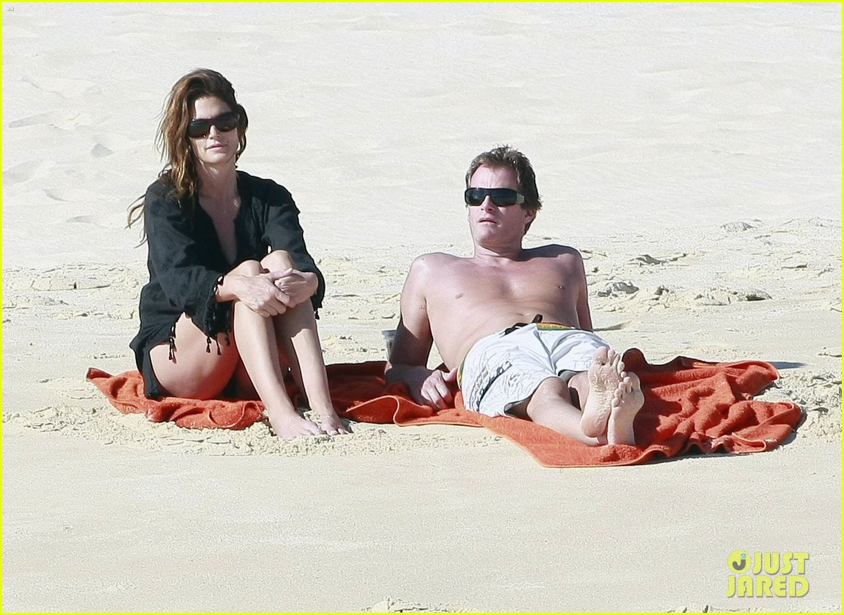 cindy crawford family time in mexico beach 132604528