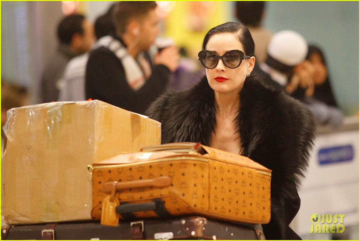 dita von teese luggage london 032604427