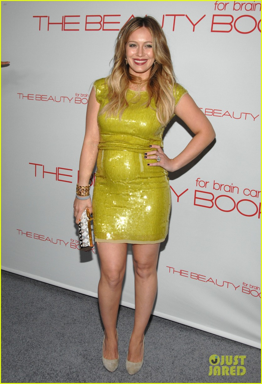 hilary duff the beauty book launch party with mike comrie 042600548