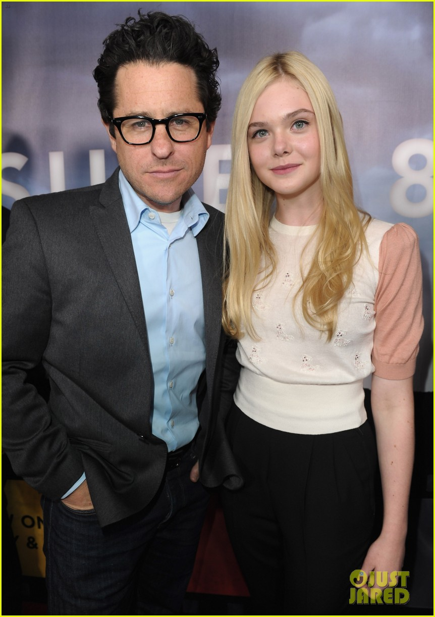 elle fanning super 8 dvd blu ray release party 012603267