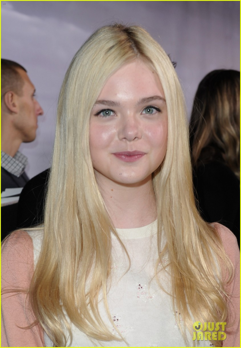 elle fanning super 8 dvd blu ray release party 032603286