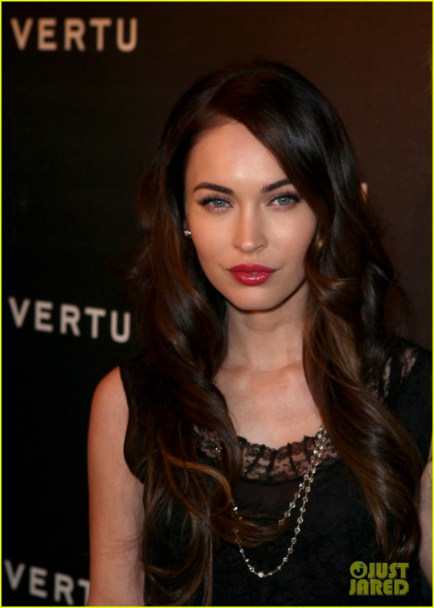 megan fox clive owen vertu 022600797