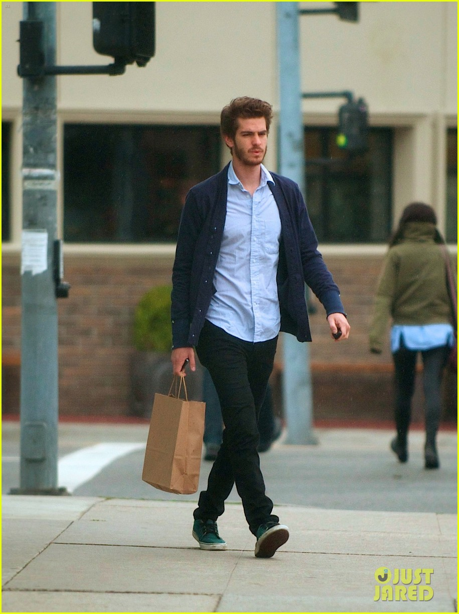 andrew garfield shops clothes 012596811