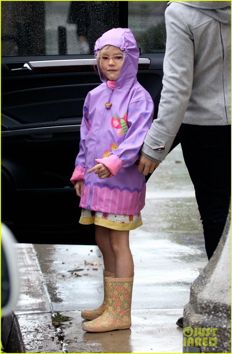 jennifer garner violet affleck rain ben argo 032602660