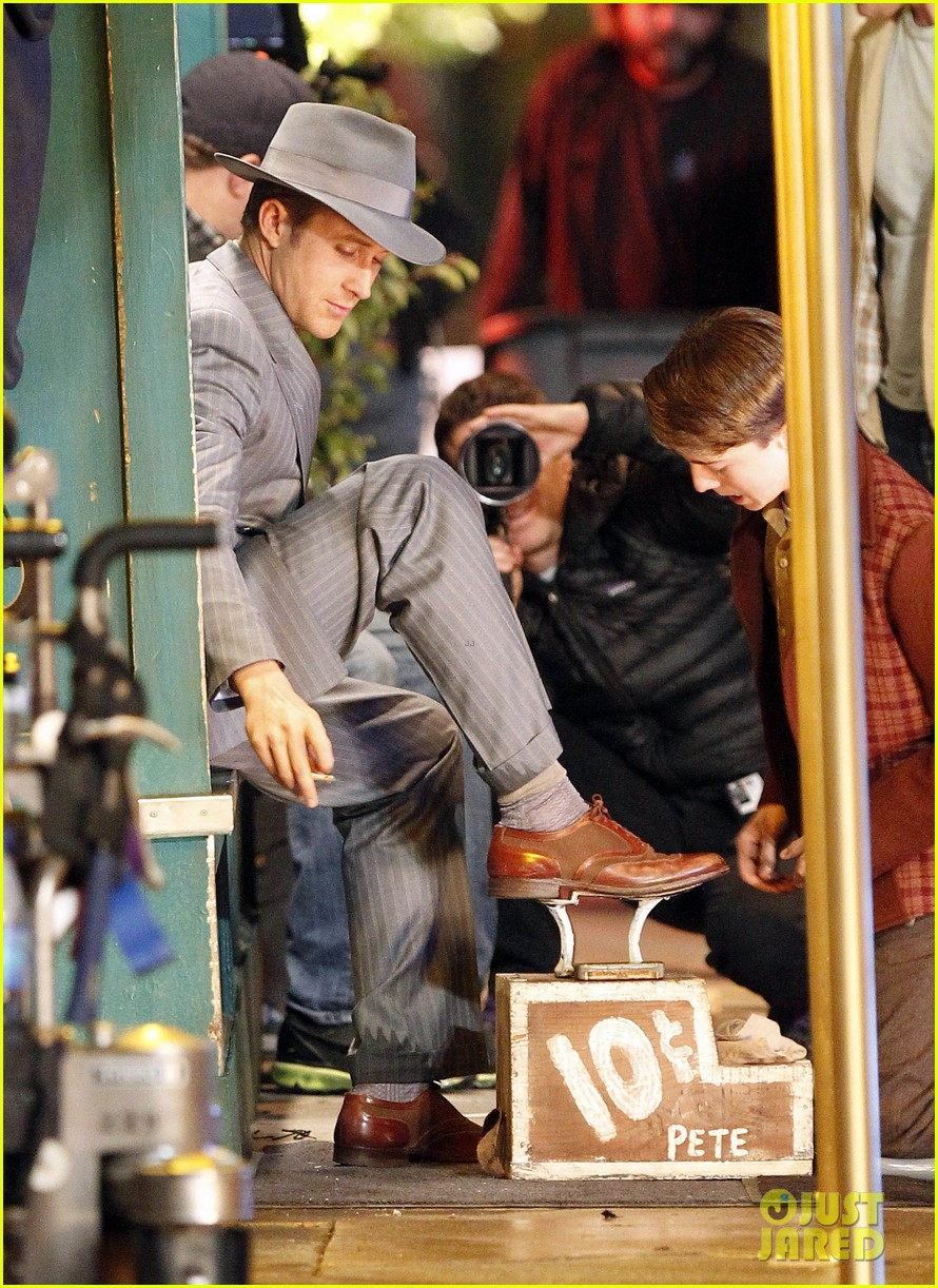 ryan gosling late night on gangster squad set 072605131