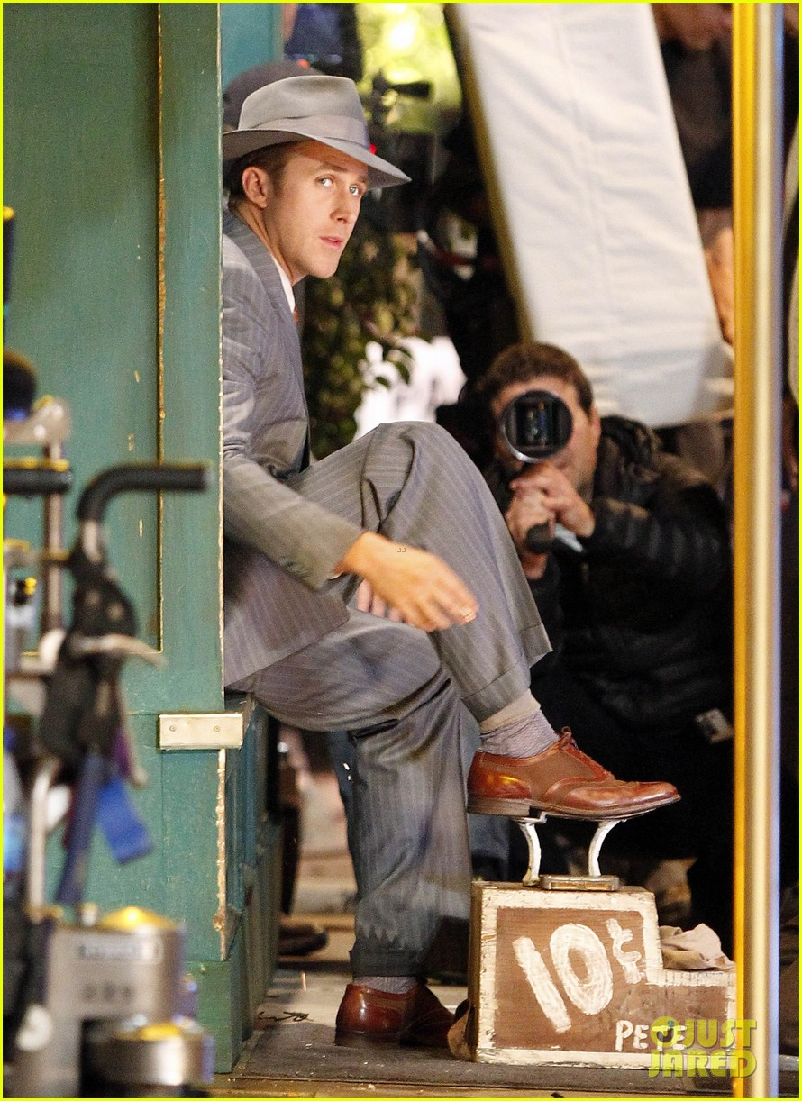 ryan gosling late night on gangster squad set 082605132