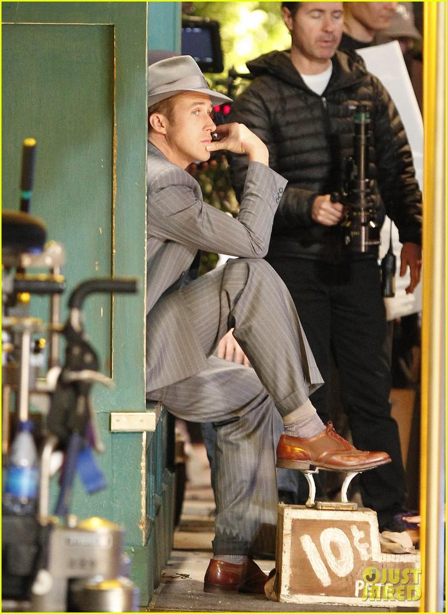 ryan gosling late night on gangster squad set 092605133