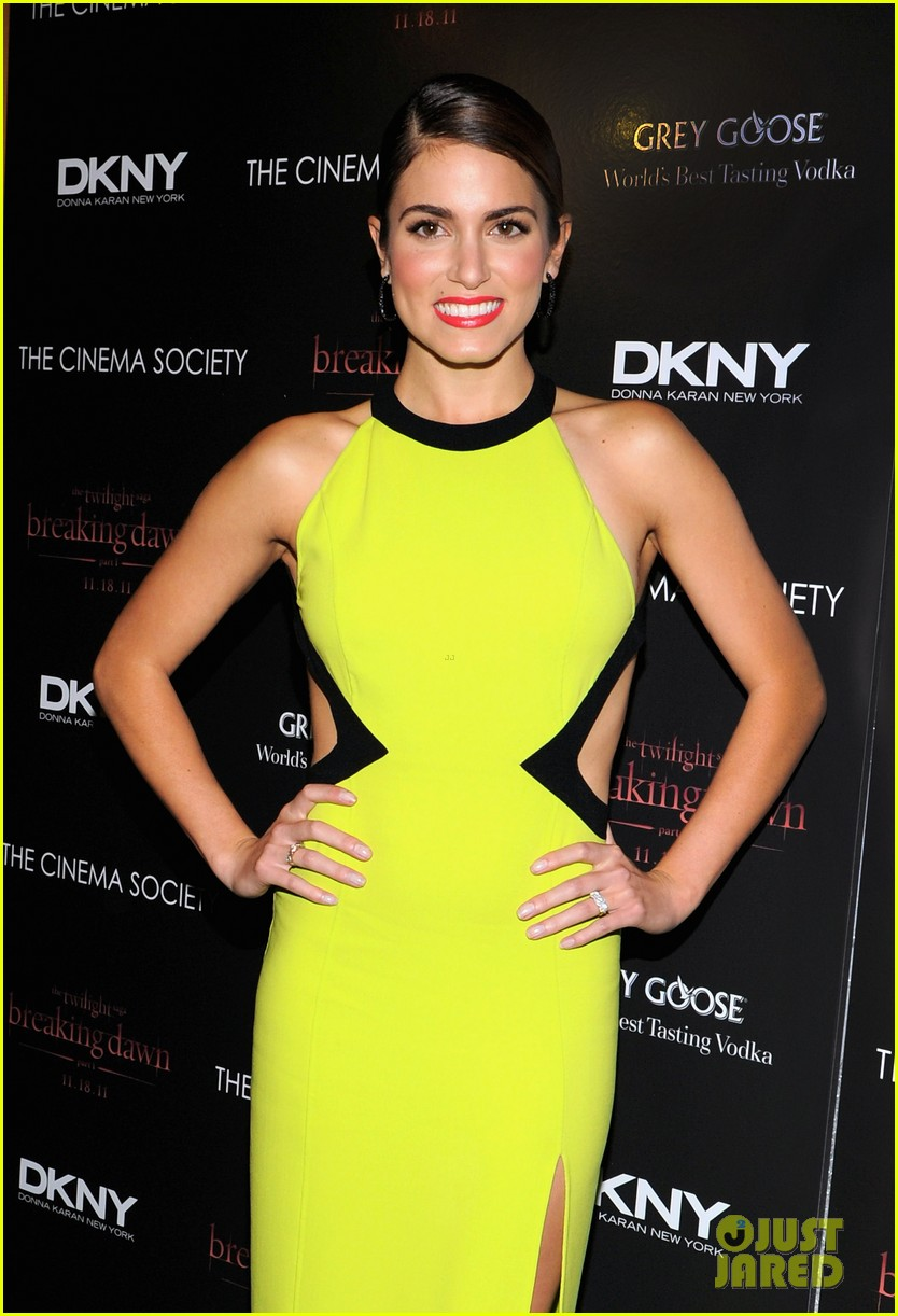 nikki reed ashley greene breaking dawn nyc 14
