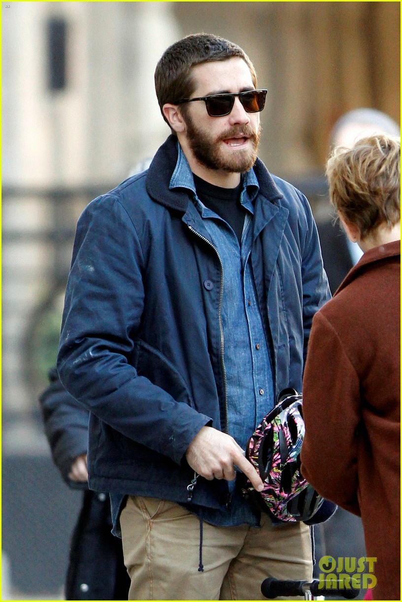 jake gyllenhaal spends the day with niece ramona 042599811