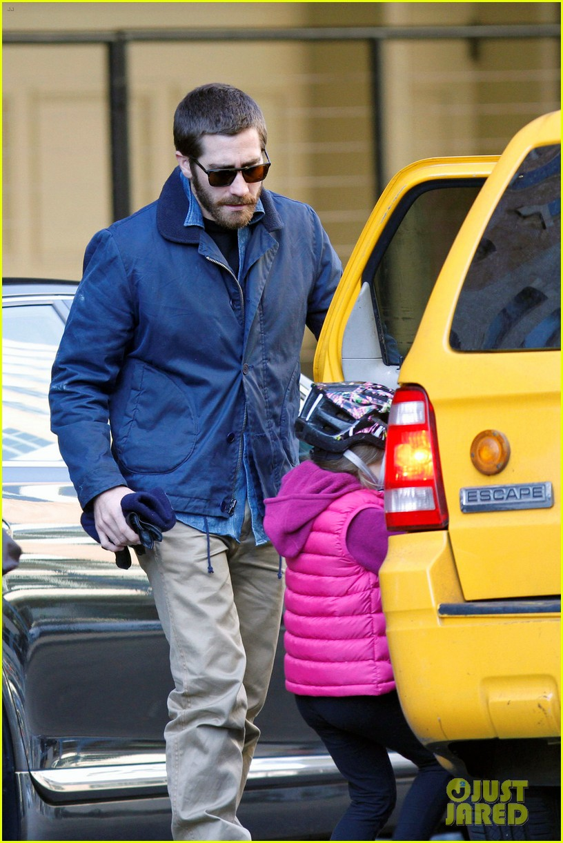 jake gyllenhaal spends the day with niece ramona 062599813