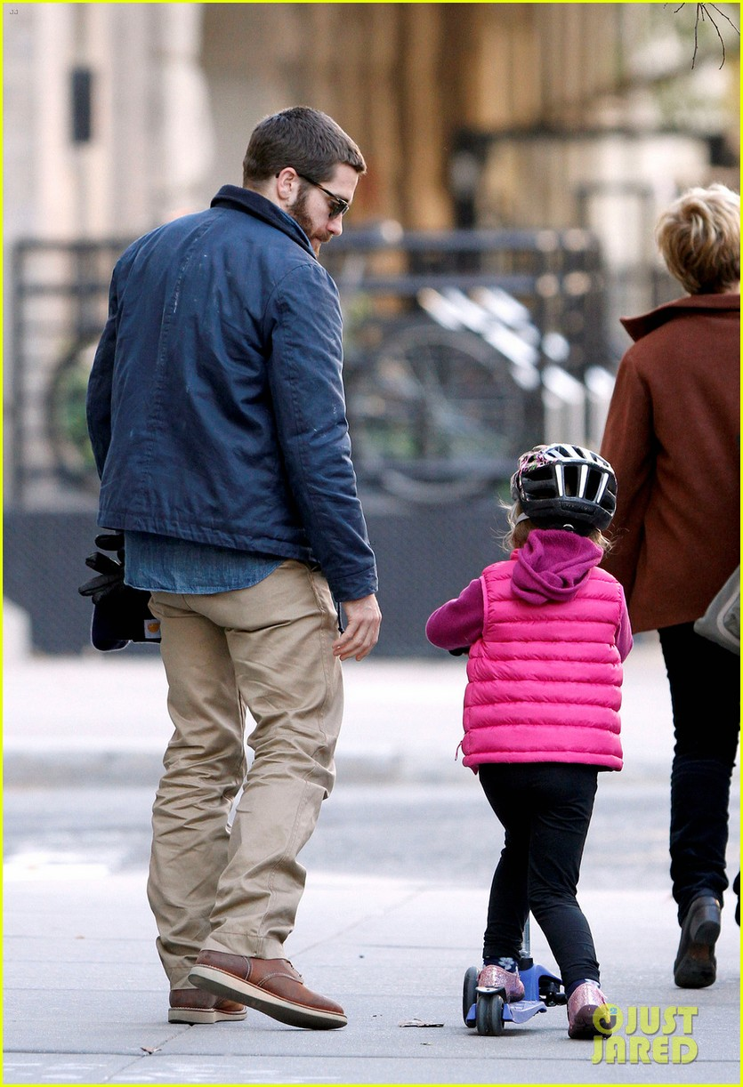 jake gyllenhaal spends the day with niece ramona 092599816
