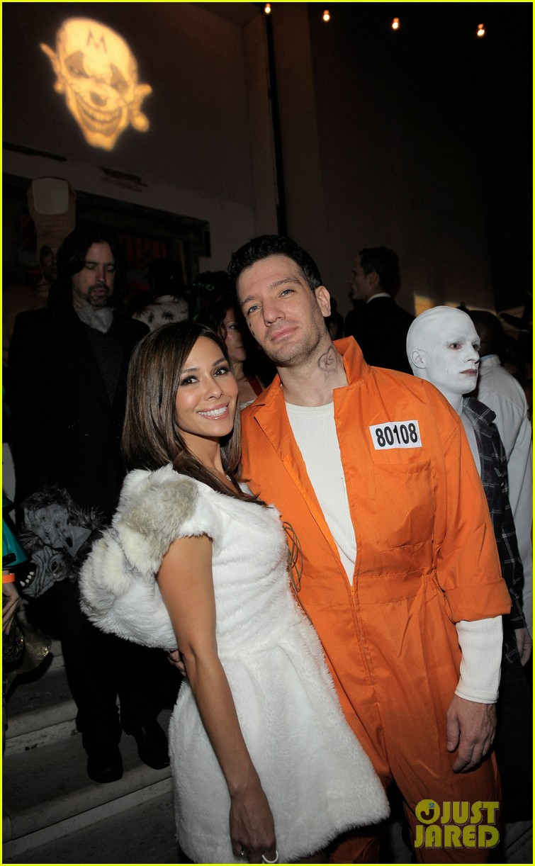 mandy moore leona lewis maroon 5 halloween party 042595878