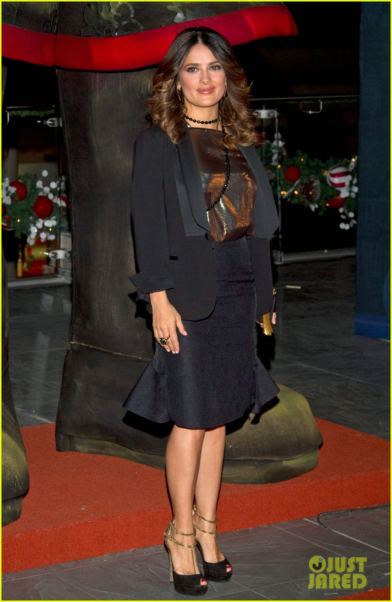 salma hayek puss in boots mexico city 12