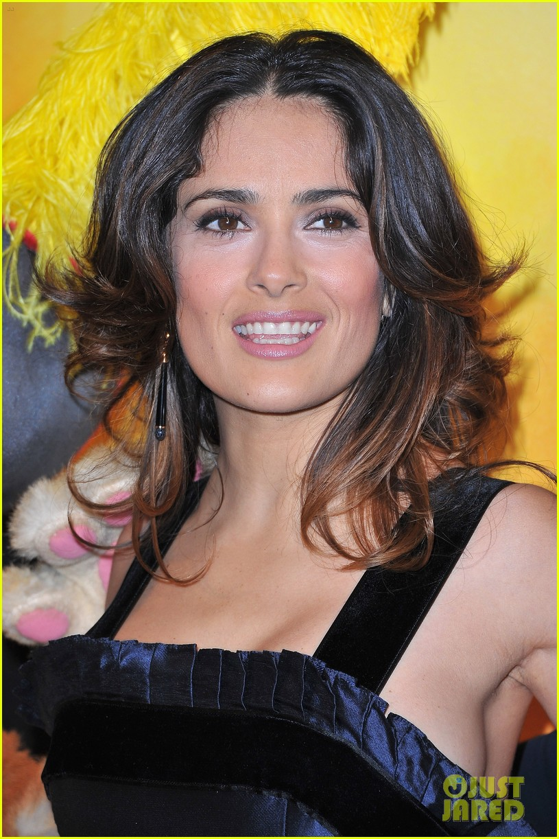 salma hayek puss in boots french premiere valentina 022602352