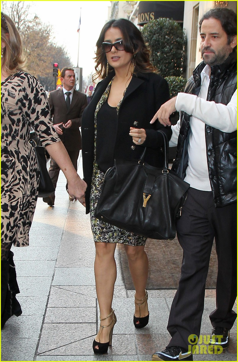 salma hayek puss in boots press conference in paris 072602838