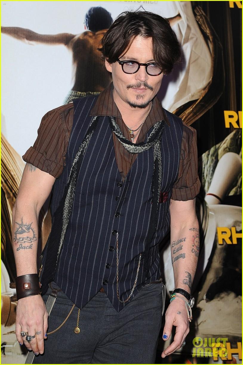 Johnny Depp & Amber Heard Premiere 'Rum Diary' in Paris