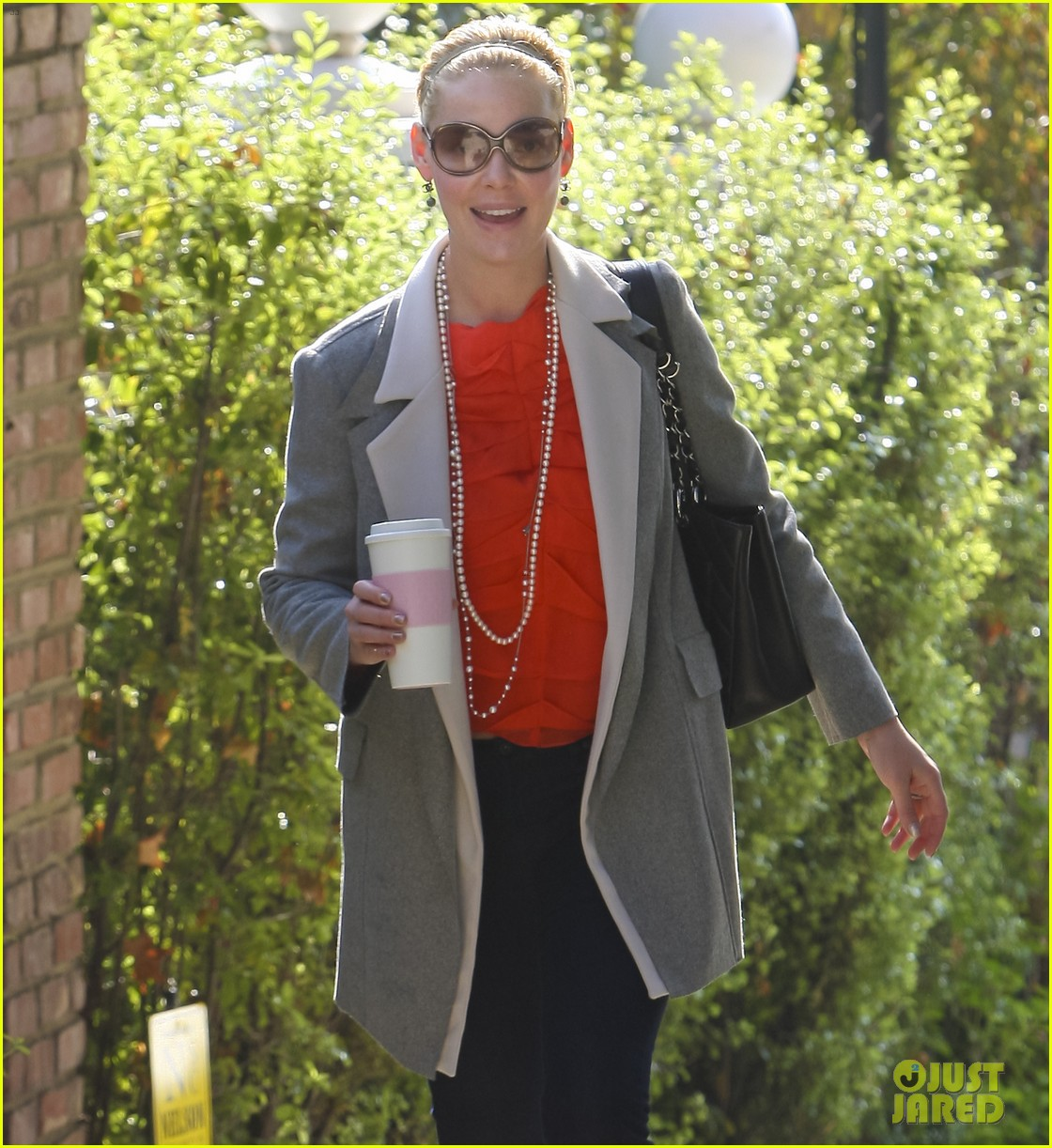 katherine heigl naleigh is a total girly girl 01