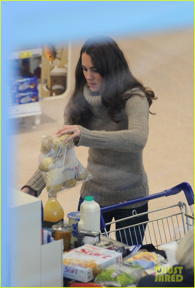 duchess kate groceries tesco 01
