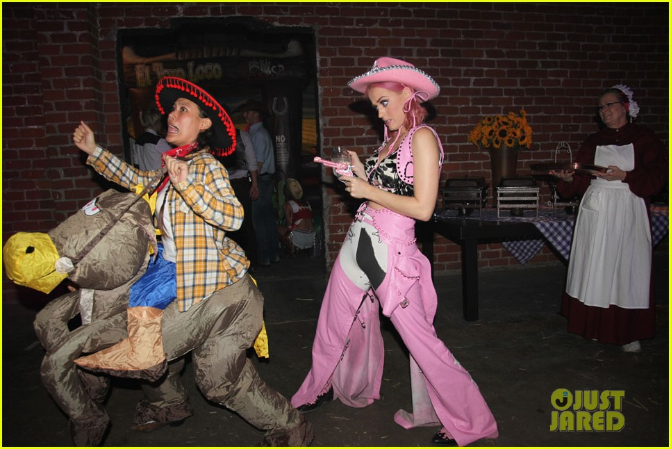 katy perry wild west ho down throwndown 042600865