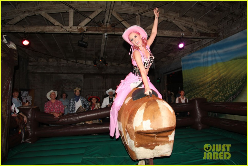 katy perry wild west ho down throwndown 30