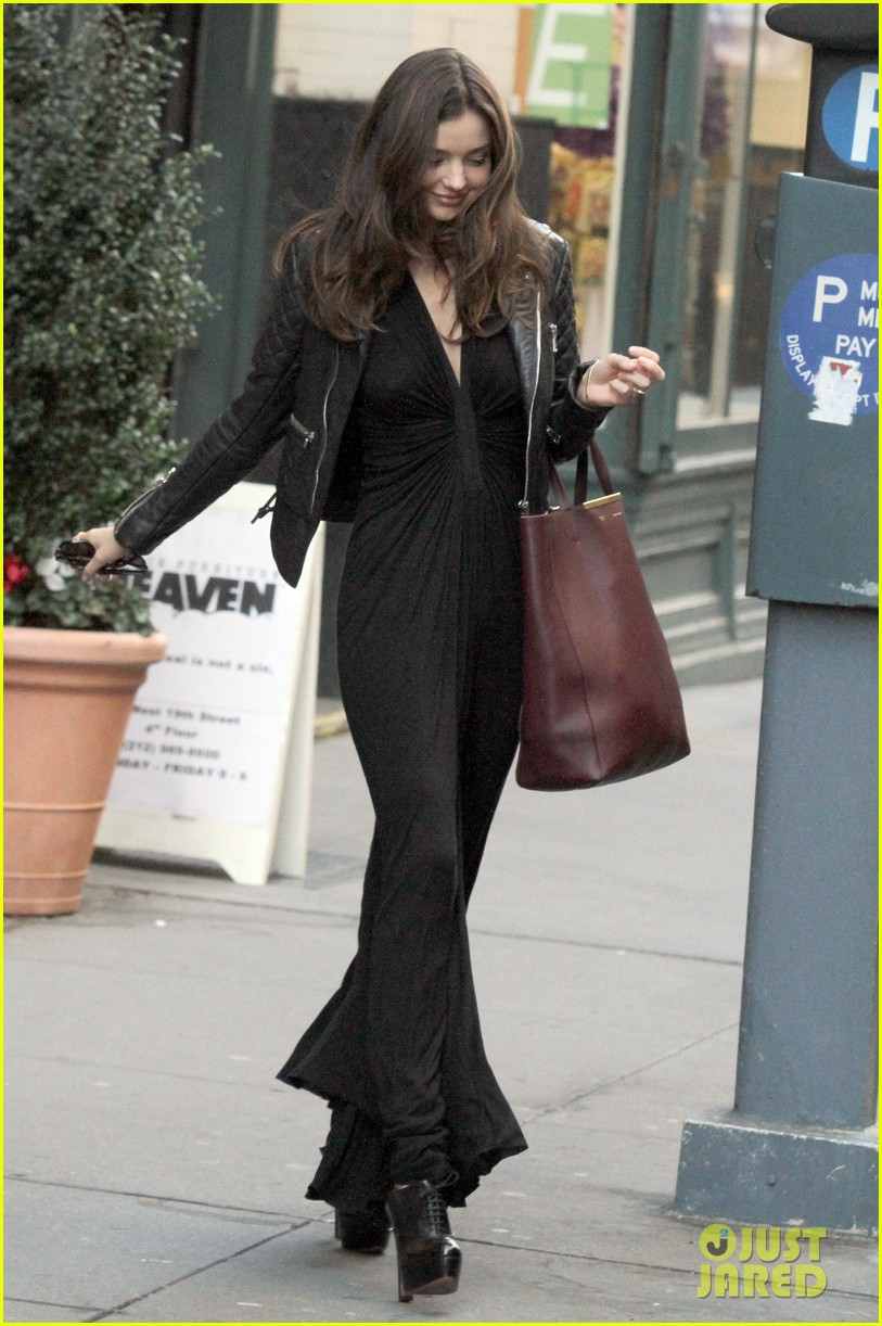 miranda kerr quilted leather jacket nyc 02