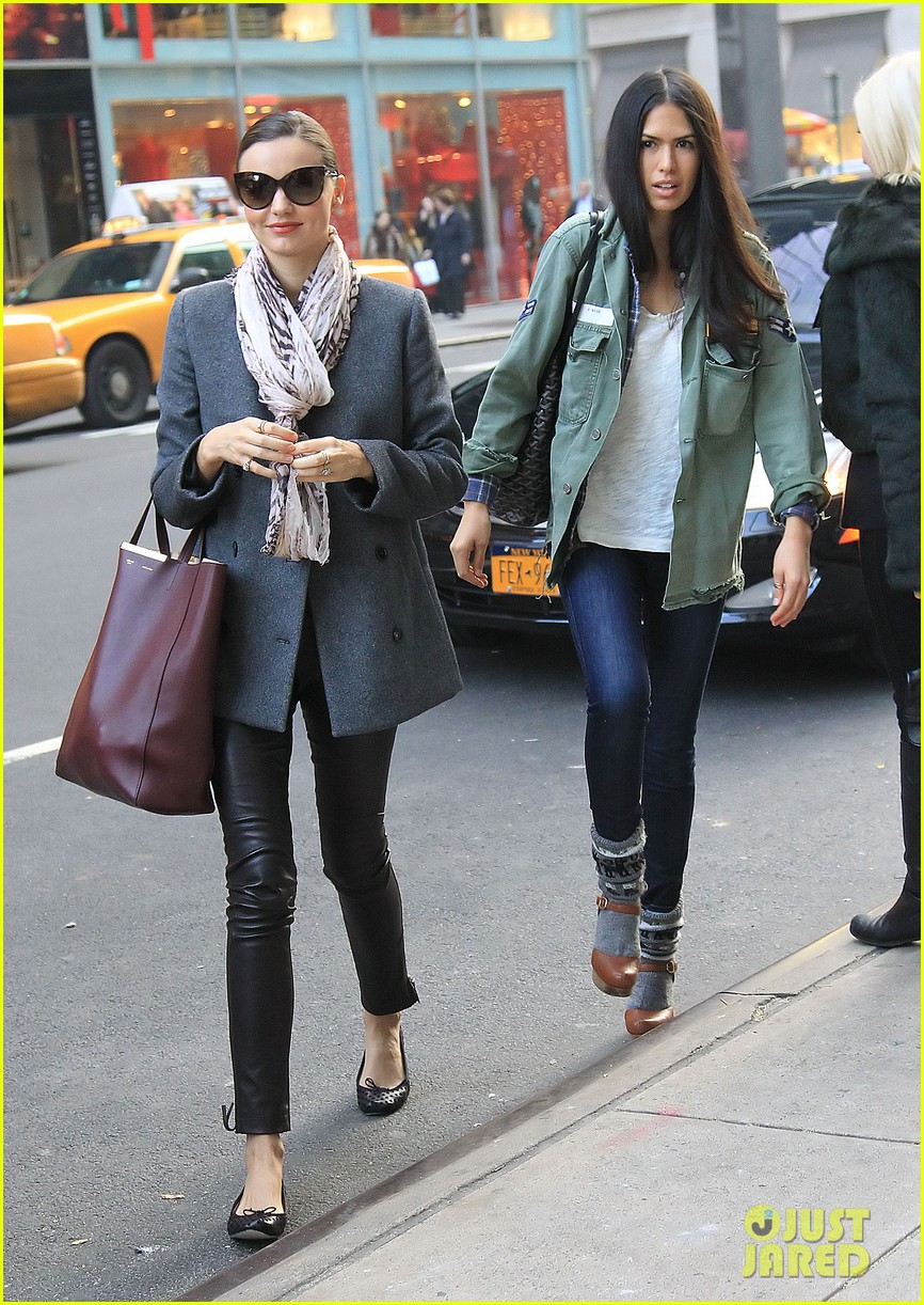 miranda kerr shopping friend nyc 032602199