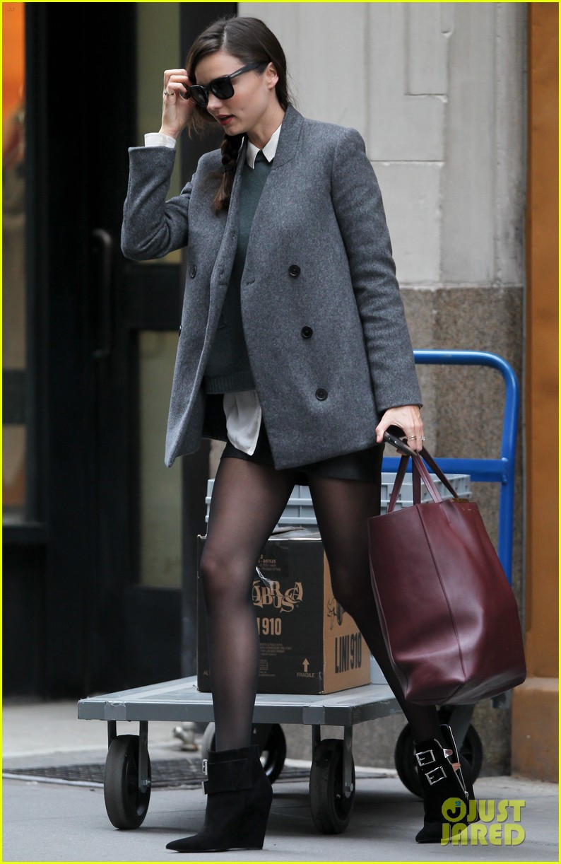 miranda kerr shorts jacket nyc 01