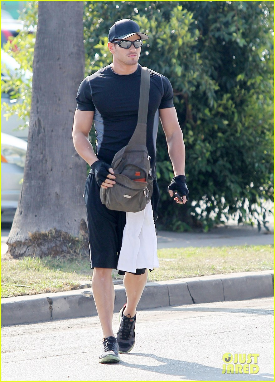 kellan lutz works out santa monica 02
