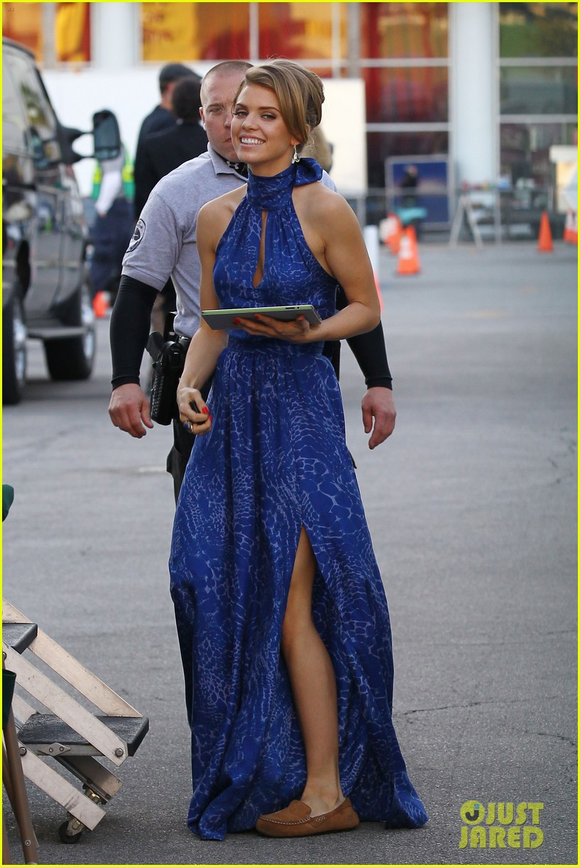 annalynne mccord waves on set 19