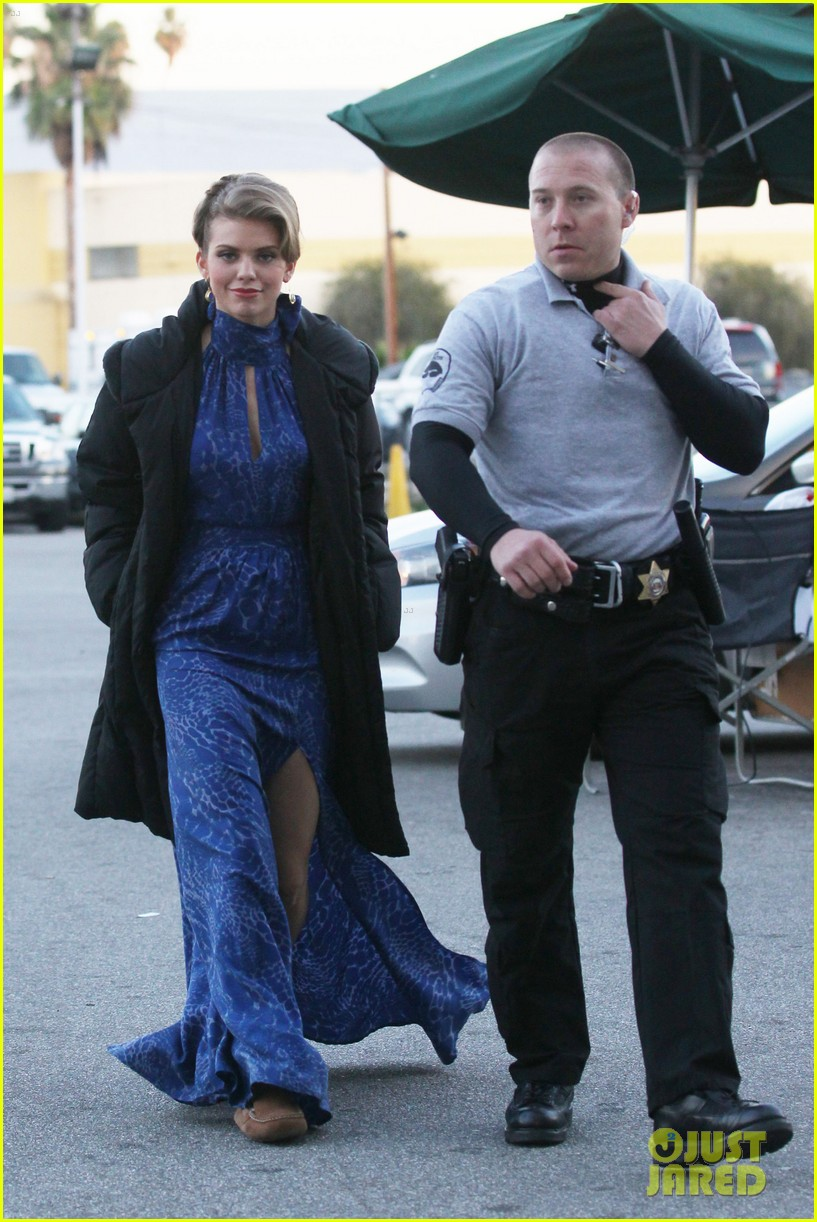 annalynne mccord waves on set 26