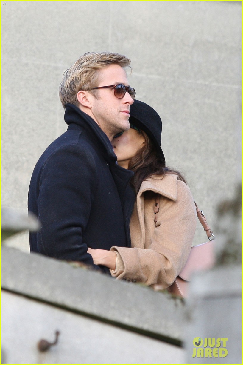 eva mendes ryan gosling parisian pair 05