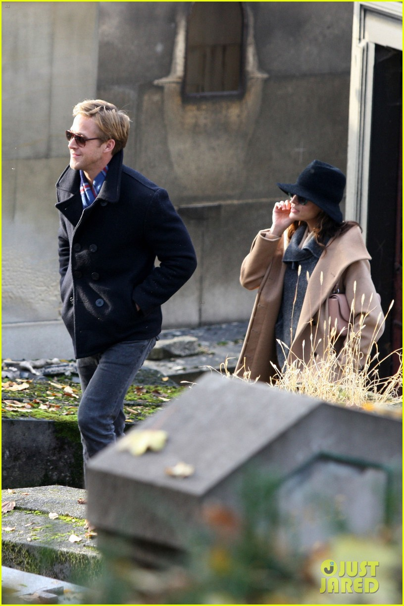 eva mendes ryan gosling parisian pair 09