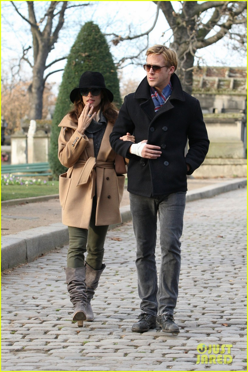 eva mendes ryan gosling parisian pair 11