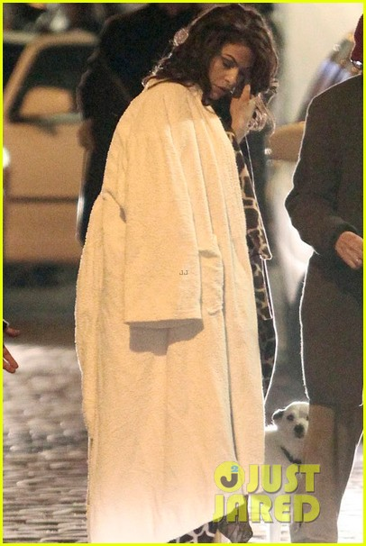 eva mendes bundles up on set of holly motors 09