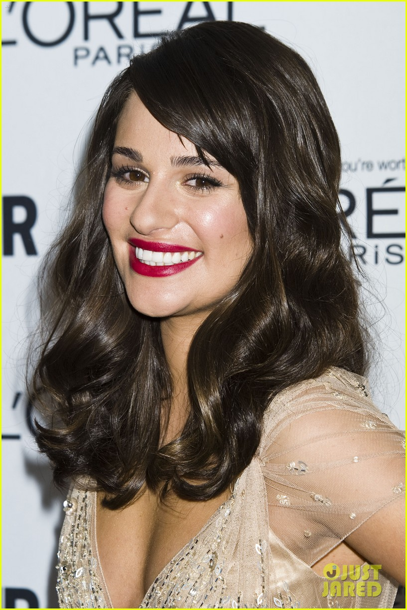 sized photo of lea michele awards 02 photo 2597748 just jared