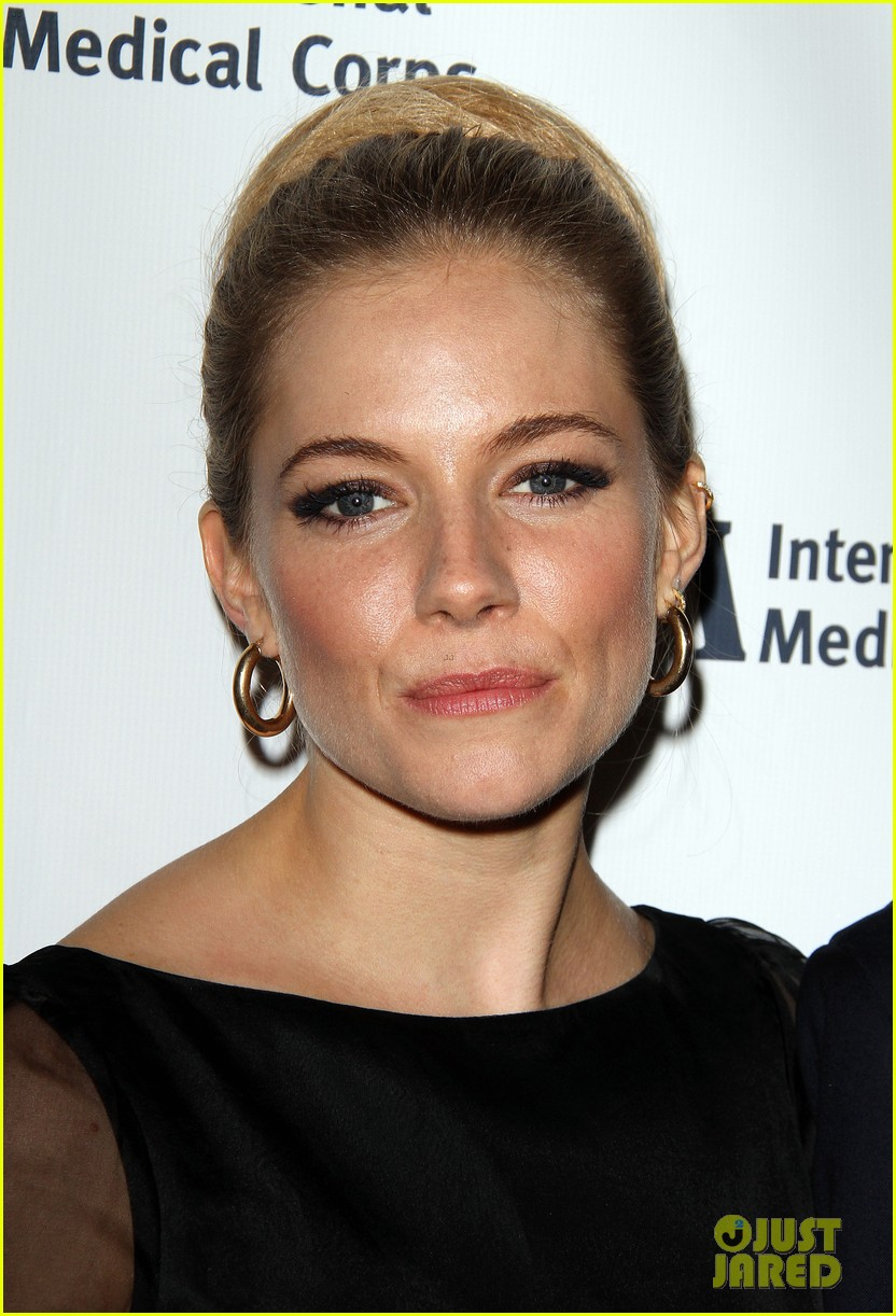 sienna miller medical corps awards celebration 10