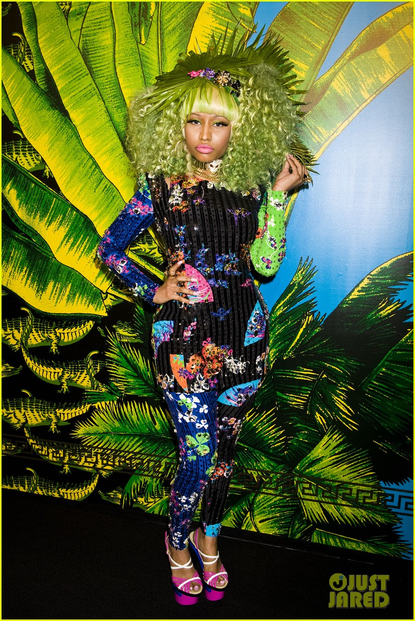 nicki minaj versace for hm launch party performer 022598263