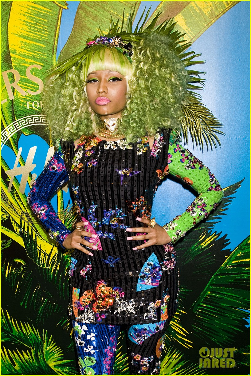 nicki minaj versace for hm launch party performer 032598264