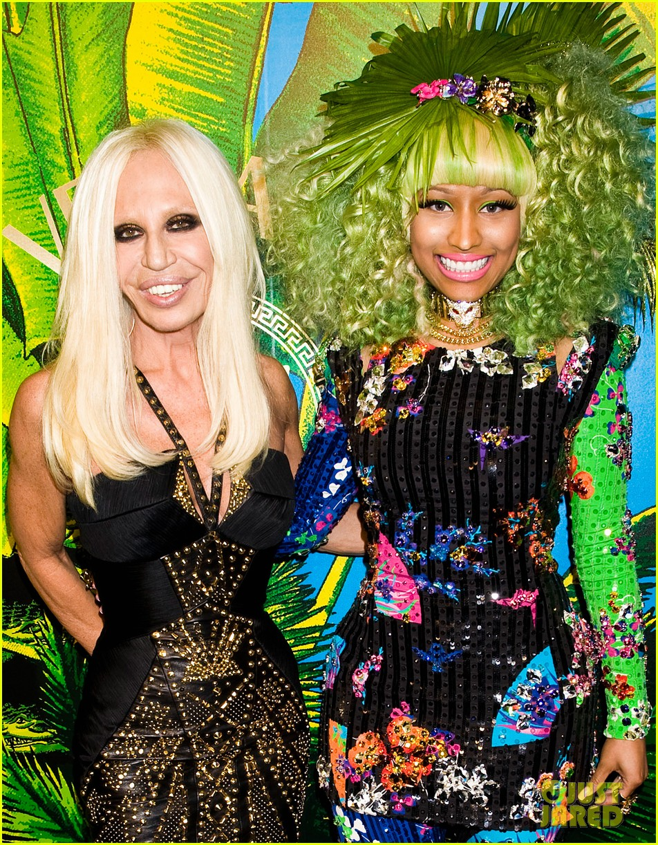 nicki minaj versace for hm launch party performer 042598265