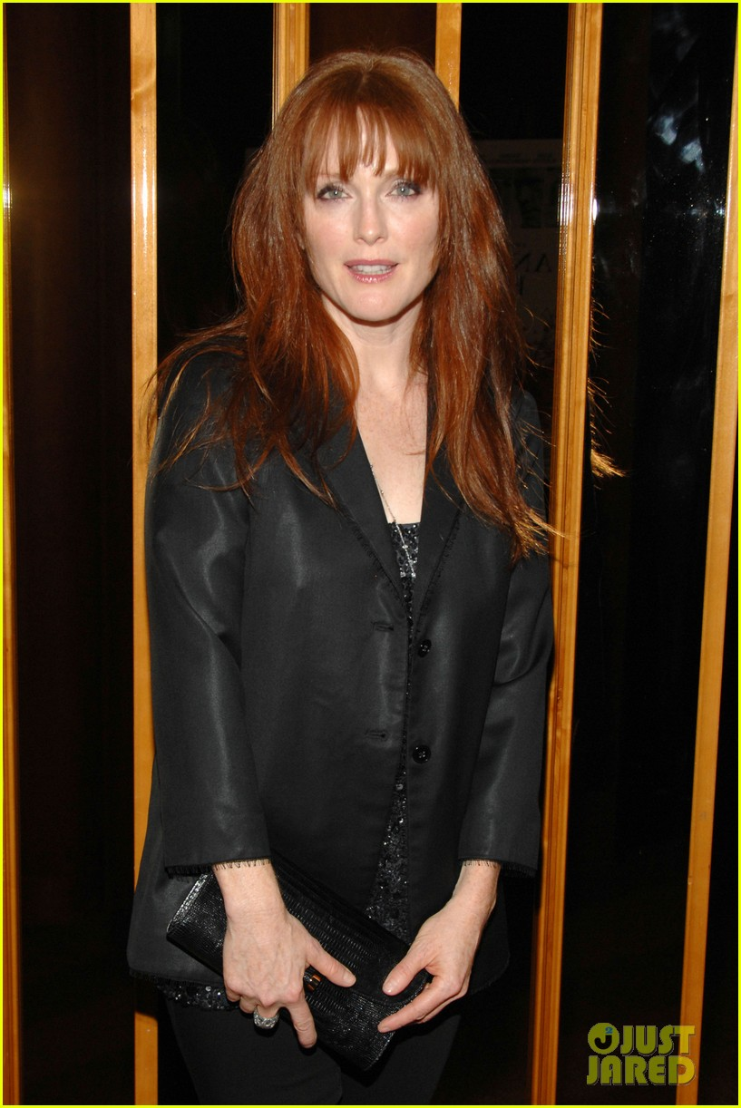 julianne moore another happy day ellen barkin 04