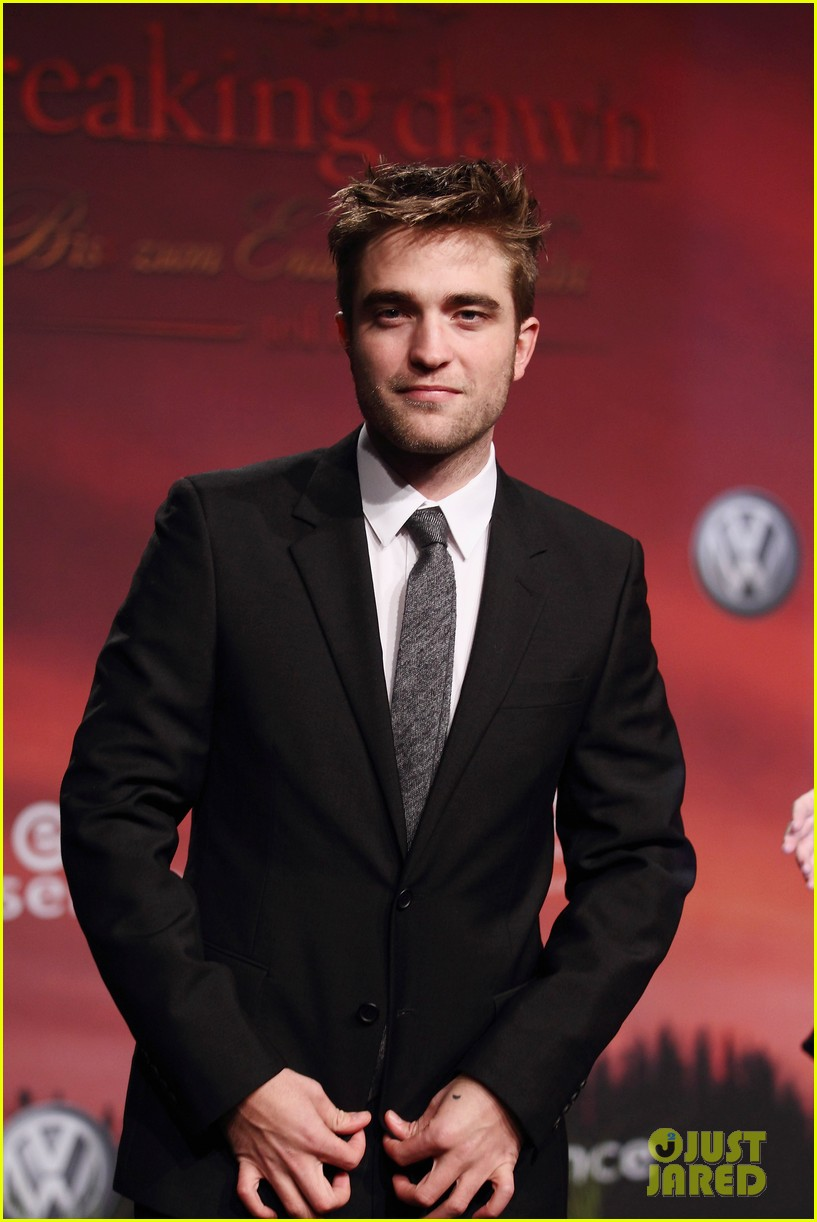 robert pattinson taylor lautner breaking dawn berlin 082601784