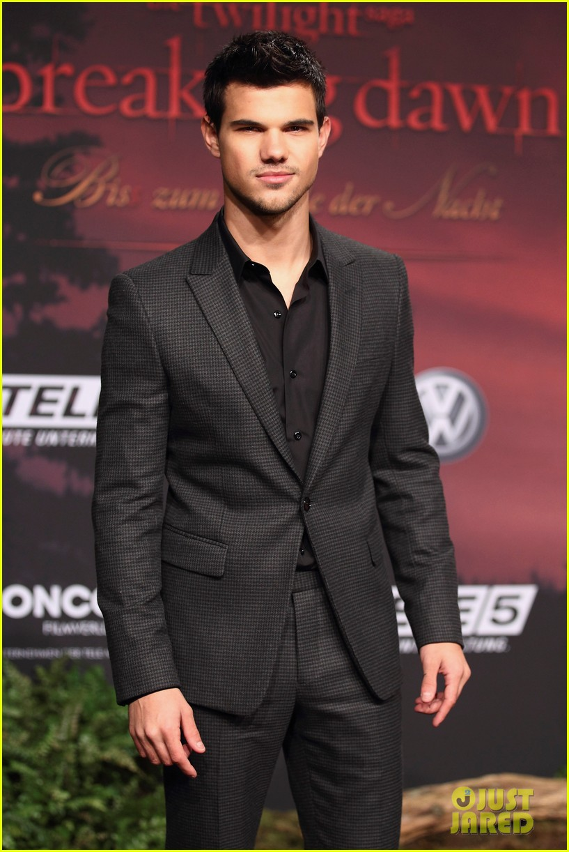 robert pattinson taylor lautner breaking dawn berlin 13