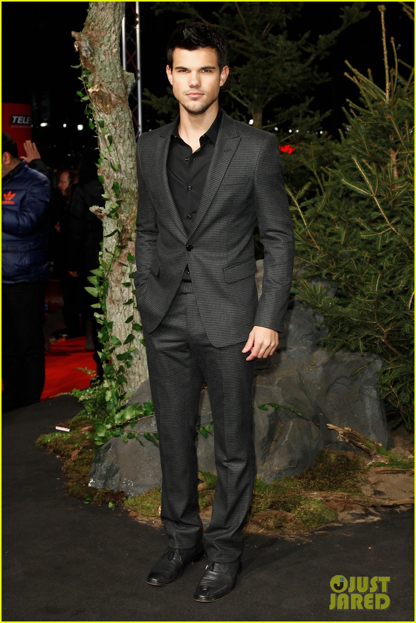 robert pattinson taylor lautner breaking dawn berlin 15