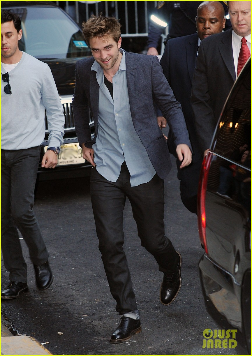 robert pattinson late show with letterman 01