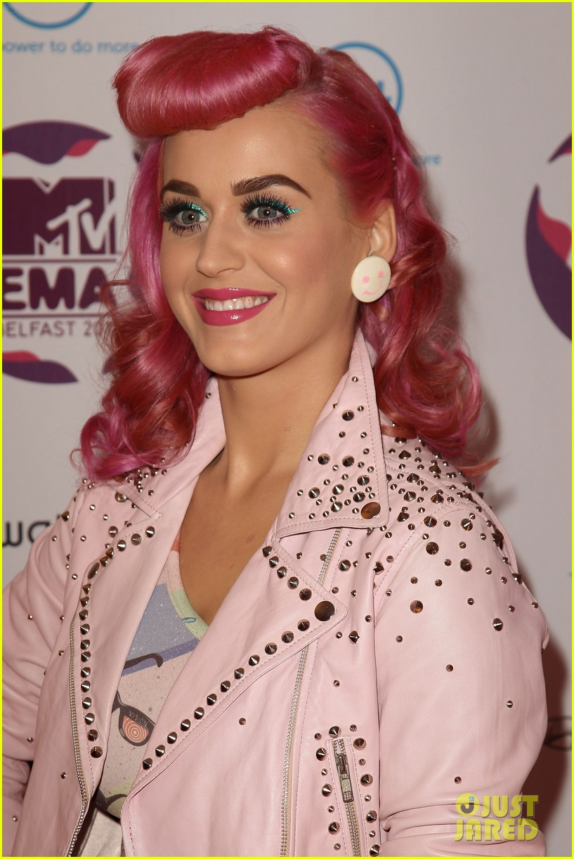 katy perry 2011 mtv emas 07